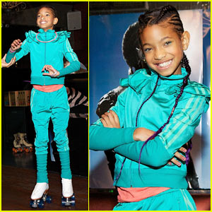 Willow Smith Hosts Skating Party For Fans