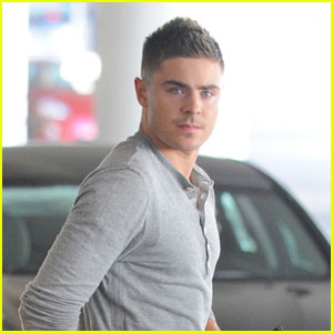 Zac Efron Takes Off From LAX