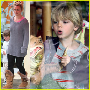 Britney Spears: Gymboree with the Boys!