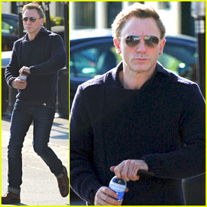 Daniel Craig: Sunset Boulevard Bottle Boy