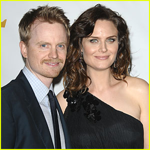 Emily Deschanel: Expecting a Baby!