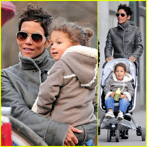Halle Berry: Central Park Stroll with Nahla!