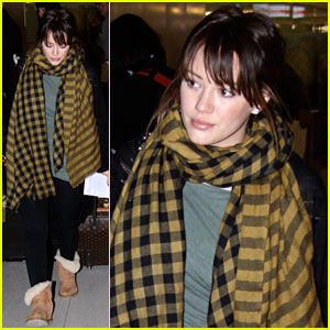 Hilary Duff: Toronto Takeoff!