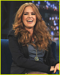 Isla Fisher Talks Wardrobe Malfunction