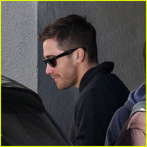 Jake Gyllenhaal: Grill Cafe Quick Exit