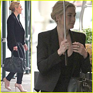 Kate Winslet: Stand Under My Umbrella!