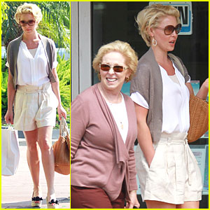 Katherine Heigl: Swimsuit Shopping with Mom!