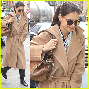 Katie Holmes: Tom Cruise Can Sing!