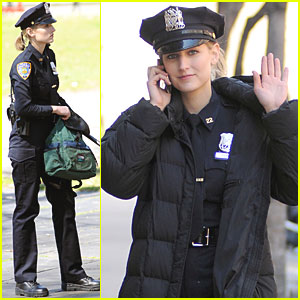 Leelee Sobieski: NYPD Uniform for 'Rookies'!