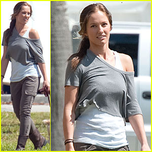 Minka Kelly: Filming 'Charlie's Angels' in Miami