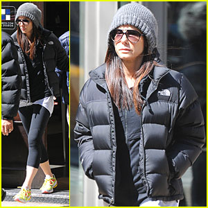 Sandra Bullock: Restoration Hardware Visit in NYC