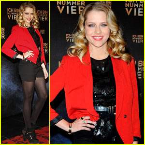 Teresa Palmer: 'I Am Number Four' Premiere in Germany!