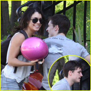 Vanessa Hudgens: Bike Ride with Josh Hutcherson!