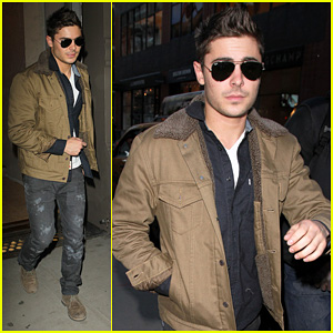 Zac Efron: Shopping in New York City!