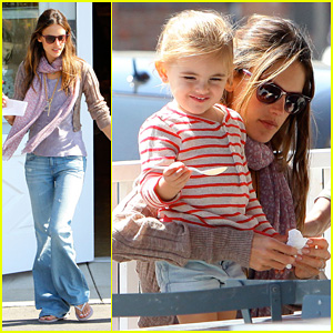 Alessandra Ambrosio: Brentwood Country Mart with Anja!