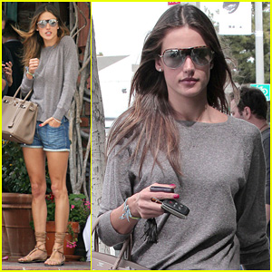 Alessandra Ambrosio: Lunch at The Ivy!