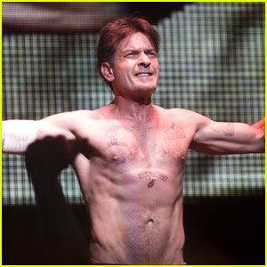 Charlie Sheen: Shirtless for 'Violent Torpedo' Tour