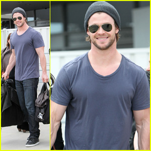 Chris Hemsworth Arrives in Australia!