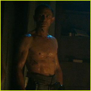 Daniel Craig: Shirtless for 'Cowboys & Aliens' Trailer!