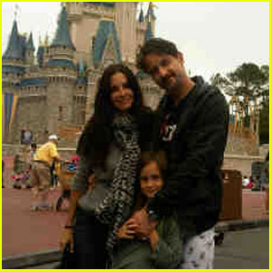 David Arquette &#038; Courteney Cox: Disney World with Coco!