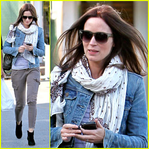 Emily Blunt: Fred Segal Stop