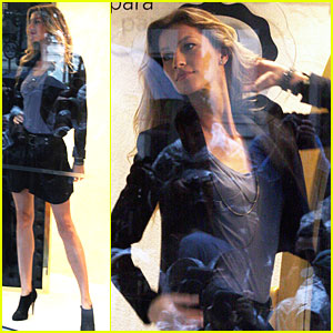 Gisele Bundchen: Department Store Window Model!