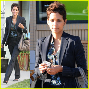 Halle Berry: Barneys New York Shopping Stop