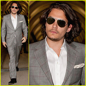 John Mayer's Stylish Suit