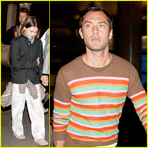 Jude Law: LAX Arrival with Sadie & Kids!