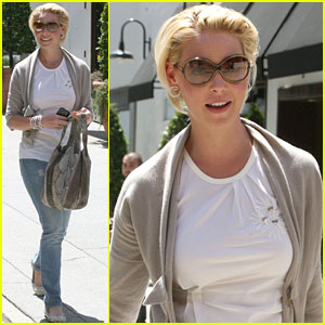 Katherine Heigl and Mom: Lunch Ladies!