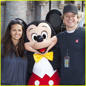 Matt Damon: Disneyland with Wife Luciana!