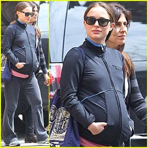 Natalie Portman: Baby Bump in Tribeca!