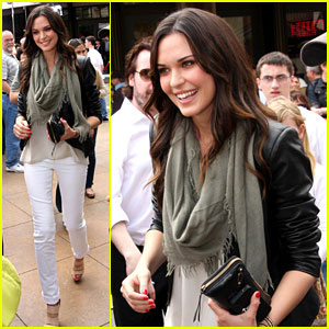 Odette Annable: 'Breaking In' on 'Extra'