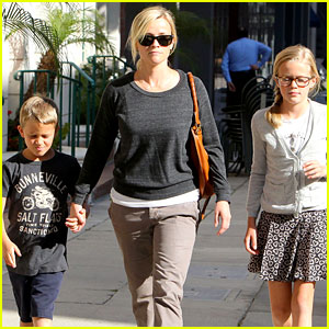 Reese Witherspoon: Checkup With the Kids!