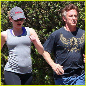 Sean Penn & Scarlett Johannson: Jogging with Owen Wilson