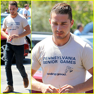 Shia LaBeouf: Feeling Good at the Mall!