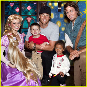 Tom Brady: Disneyland with Jack and Niece Jordan!