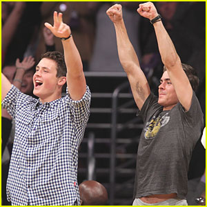 Zac Efron: Lakers Game with Brother Dylan!