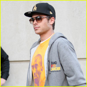 Zac Efron Loves the Lakers & Kobe Bryant