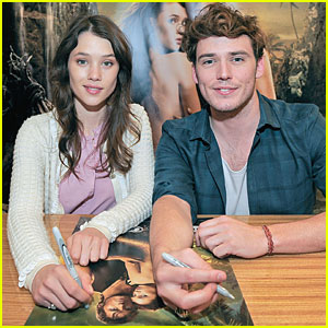 Sam Claflin: Snow White's Prince Charming?