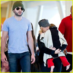Christina Aguilera: LAX Landing with Matthew & Max