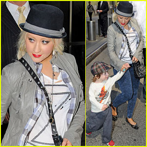 Christina Aguilera & Max: Packed Lunches in NYC!