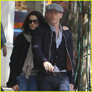 Daniel Craig & Rachel Weisz: Paris Love