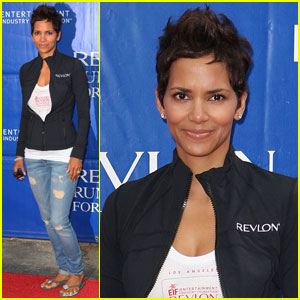 Halle Berry: Revlon Run/Walk in L.A.!