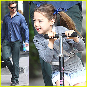 Hugh Jackman & Ava Scoot on the Sidewalk