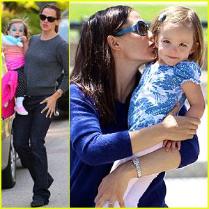 Jennifer Garner: Kisses for Seraphina!