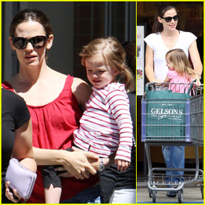 Jennifer Garner: Supermarket with Seraphina!
