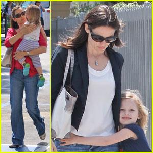 Jennifer Garner: Tag with Violet & Seraphina!