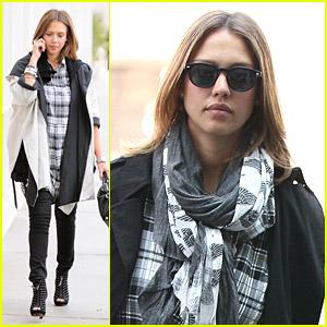 Jessica Alba Leaves Los Angeles