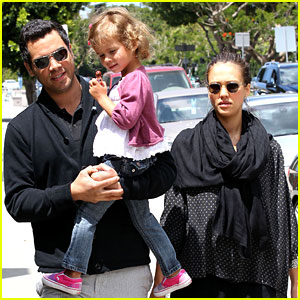 Jessica Alba: Having a Baby Girl?